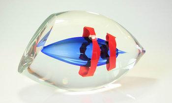 Object blauw met rood lint